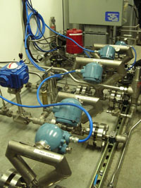 Measurement manifolds for liquid N2and CO2, vaporized N2 and CO2, and blended CO2/N2 injection gas
