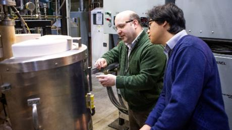 Solid Oxide Fuel Cell Research Advances Clean, Efficient Energy Technology